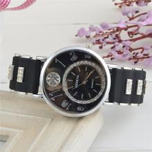 Moda de la mujer reloj de cuarzo, con incrustaciones con una exquisita del dial del diamante, correa, elaborar relojes. envío gratis