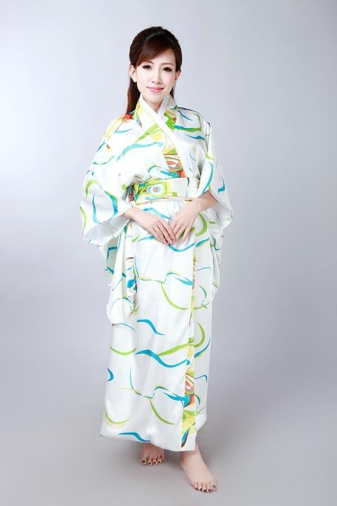 Free Shipping White Vintage Japanese Womens Silk Satin Kimono Yukata Evening Dress Flower One Size H0050Одежда и ак�е��уары<br><br><br>Aliexpress