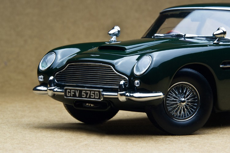 Solar Star 1:18 1963 DB5 British Inexperienced basic sports activities automotive mannequin Retro basic vehicles Favorites Mannequin