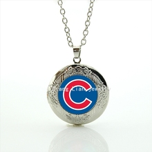 High quality women jewelry fashion locket necklace case for Chago Cubs pendant red and blue Baseball team birthday gift M24(China (Mainland))