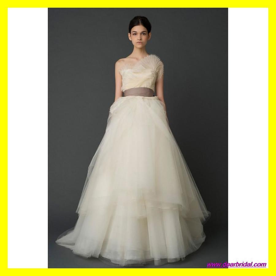 Hippie wedding dress simple beach dresses white nicole for Nicole miller beach wedding dress