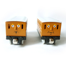 T0142 Diecast Magnetic THOMAS and friend annie and clarabel The Tank Engine take along train metal children kids toy gift(China (Mainland))
