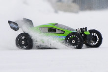 MCD Racing Fernbedienung Benzin Auto 4WD 4X4 RRV4 Wahlen Klasse(China (Mainland))