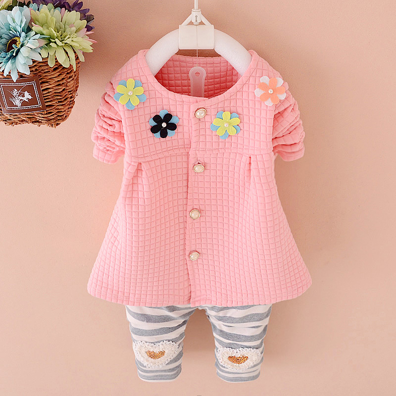 Promotion good quality baby clothing set 2015 Autumn new girls sets cotton flower suits A215