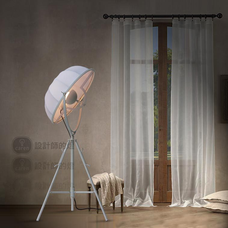 e designer of the American European style living room bedroom lamp lights Nordic bedside lamp floor lamp vertical studio(China (Mainland))