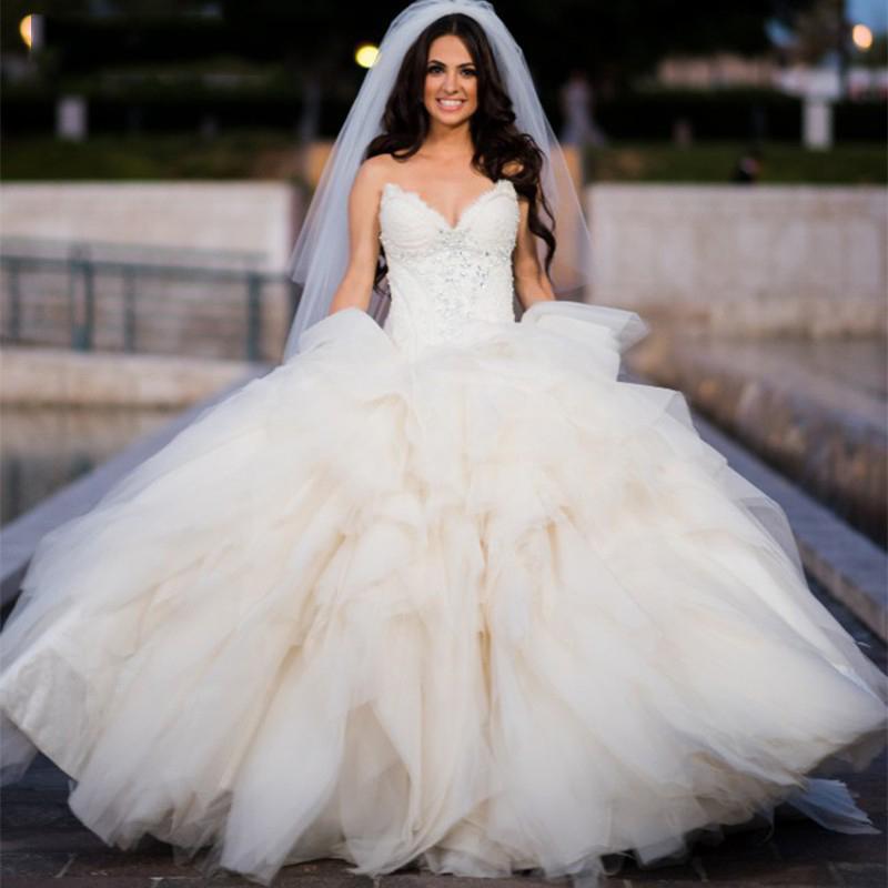 Puffy Бальное платье Свадебные Платья 2016 В Шеи Кружева Невесты Платья с Вышивкой Бисером Уровни Оборками Свадебное Платье