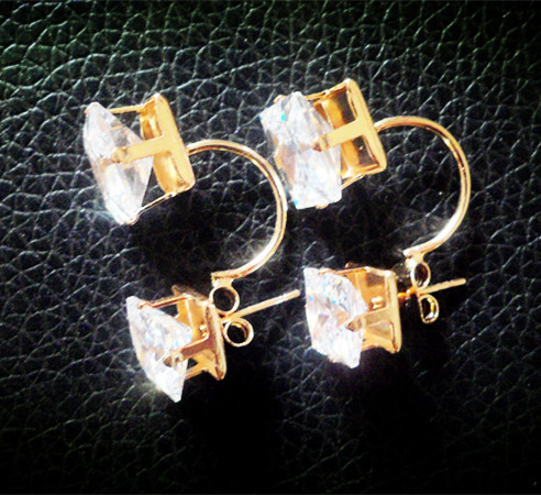 2015 Fashion nice quality gold plated Metal hollow Double Faced love Square zircon Stud Earrings Jewelry wedding women - H Boutique( DHFB store)