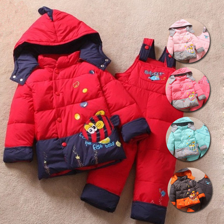 2015 winter 1-3 years old cartoon children's clothes baby boys and girls clothing sets coat + suspenders warm cotton down jacket(China (Mainland))