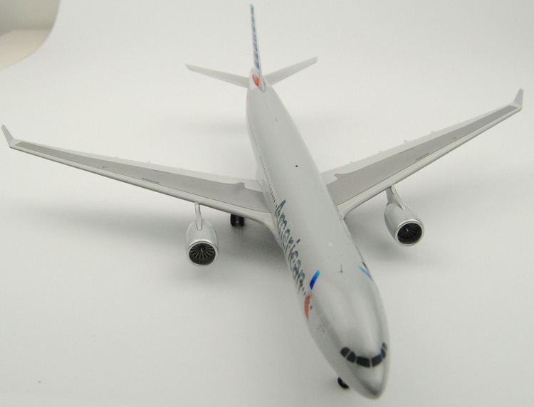 Free Shipping American Airlines Airbus A330-300 N270AY Airplane 1:200 Scale Models Figures Brinquedos Plane Model Classic Toys(China (Mainland))
