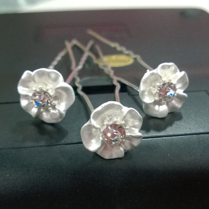 200pcs/lot Free Shipping Crystal Flower hair pins. New design. Wedding party Woman Bride hair jewelry