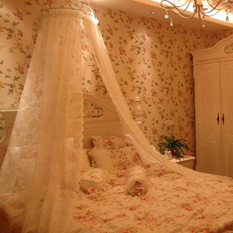 Из чего сделать балдахин над кроватью
