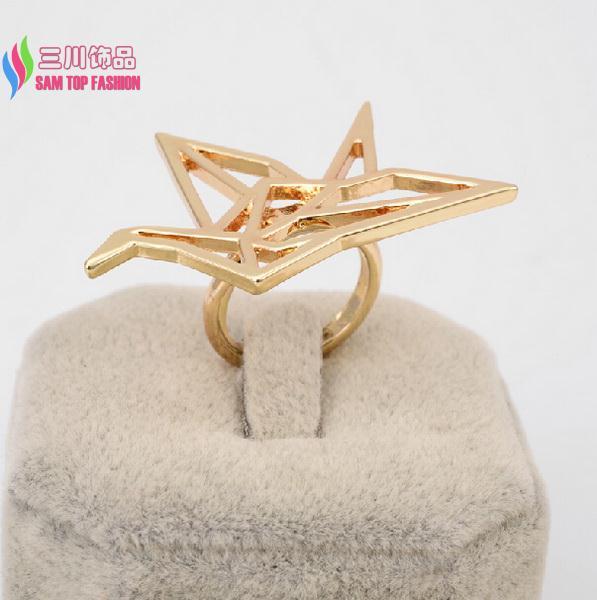 2014 popular fashion trendy men & women's unique Designer gold silver black alloy cutout Origami bird finger rings bijoux(China (Mainland))