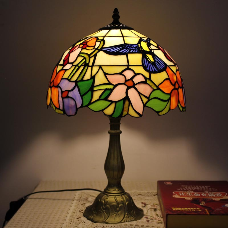 antique tiffany table lamp colored glass shade lamp ptl019
