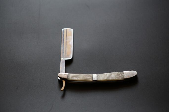 wholesale price  Straight Edge Stainless Steel Hair Shaper Barber Razor Folding Shaving Knife<br><br>Aliexpress