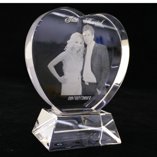 Customized Image Personalized Crystal Heart Award Wedding Decoration Crystal Wedding Memories Souvenirs 3D Laser Crystal(China (Mainland))