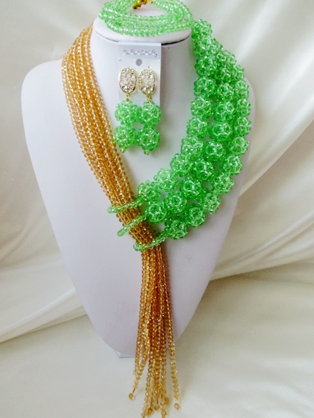 Fashionable luxurious wedding jewelry in Nigeria Africa bead set the bride set necklace bracelet earrings wedding outfit   A1319