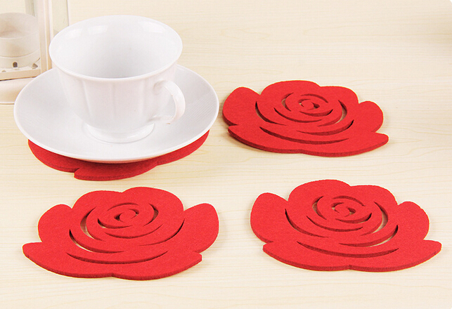 Creative Home Fashion Simple 5Pcs Placemats Insulated potholders Crochet Doilies Felt Coasters Cup Mats Table Mat Pads( Rose )(China (Mainland))