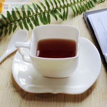 High grade bone china coffee cup and saucer creative white color ceramic cup and saucer European