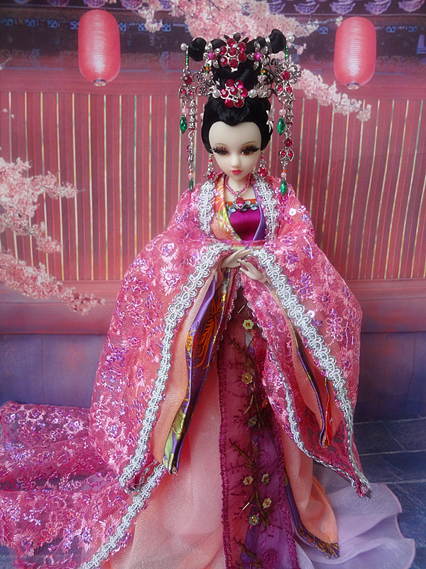Big Sale Delicate Handmade 32cm China Doll Tang Dynasty Princess 12 Whitening Joints Body Best Christmas Gift Free Shipping(China (Mainland))