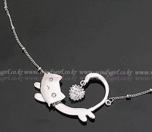 gentlewomen fashion princess cat necklace