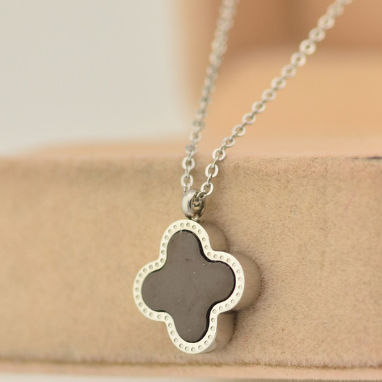 new silver four leaf clover jewelry women necklace double side one white and one side black(China (Mainland))