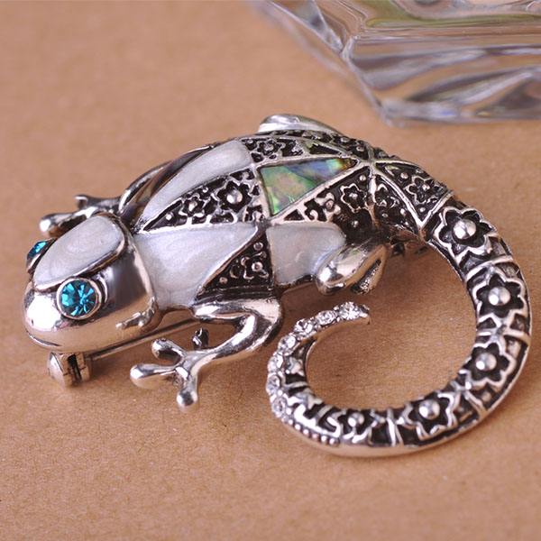 Abalone Shell Lizard Chameleon Brooches Vintage Hat Accessories Scarf Clip Shoulder Decoration for women Party Antique Silver uk(China (Mainland))