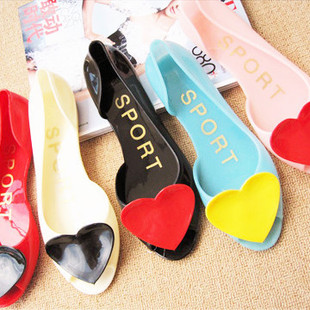 2015 Summer Romantic heart jelly rubber heart candy color open toe sandals women's flat flats rain shoes(China (Mainland))