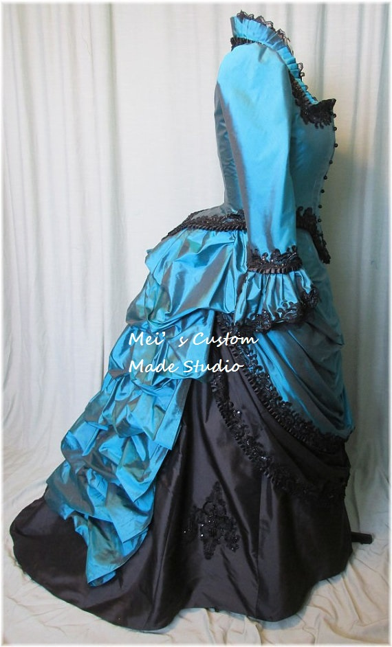 Custom Made 18th century Low Neckline Beading Victorian Wedding Bustle Ball Gown/Party Costume/Holiday Dress(China (Mainland))