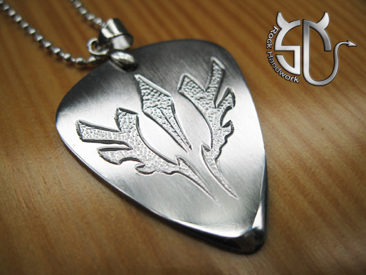 Free shipping The tree of life stainless steel handmade guitar pick pendant necklace(China (Mainland))