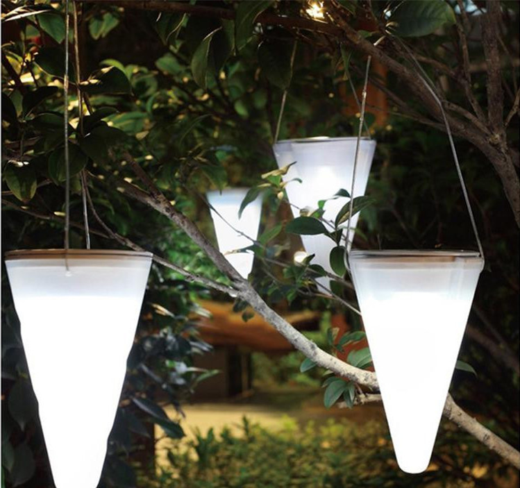 2016 Wholesale Solar Hanging Light cone Christmas decoration outdoor garden Hanging light luminaria