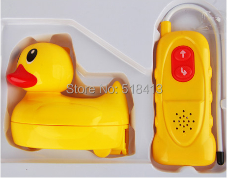 Infants and young children playing in the water toys big yellow duck amphibious electric remote control toys waterproof