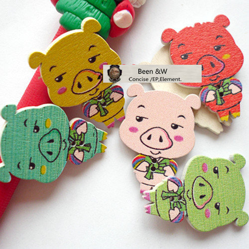 Free shipping! Painting/Wooden buttons Cartoon image Pig Baby button DIY Handwork accessories 33*22mm Mix Color 100pcs/lot(China (Mainland))