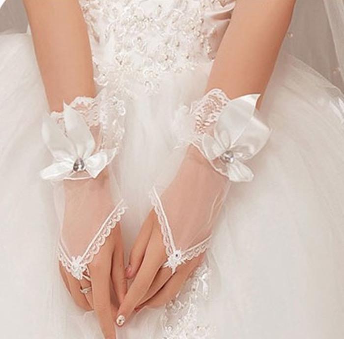 2016 Hot Sales Cheaper Bride Wedding Gloves Crystal Bow Tulle Short Design White Fingerless Women Gauze