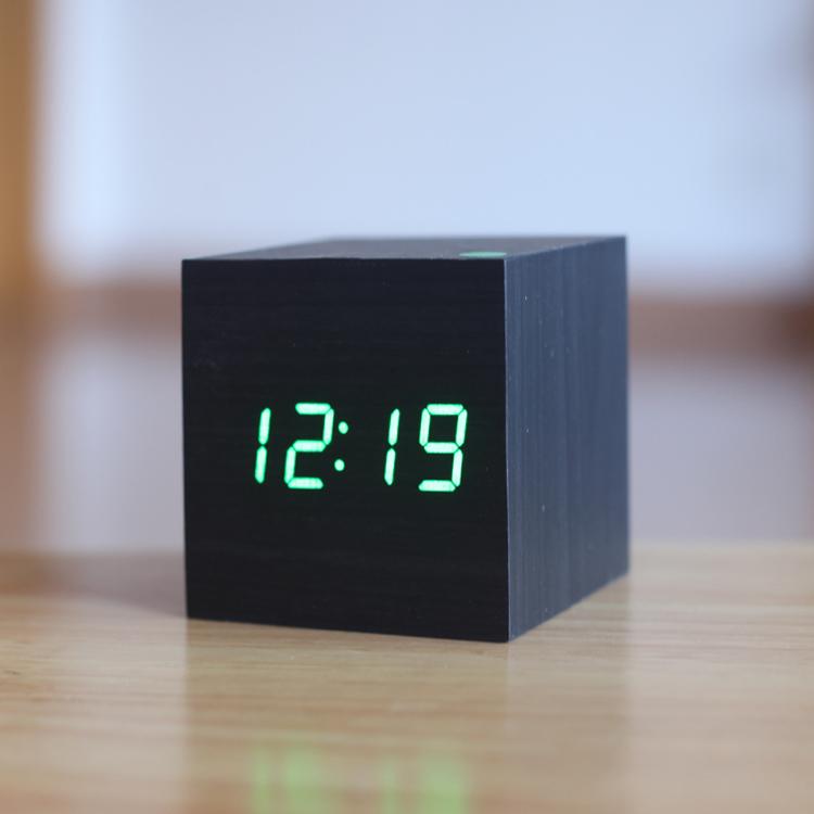 Wake up light despertador western digital external clock hygrometer USB power/Battery electronic desktop Led wooden alarm clock(China (Mainland))