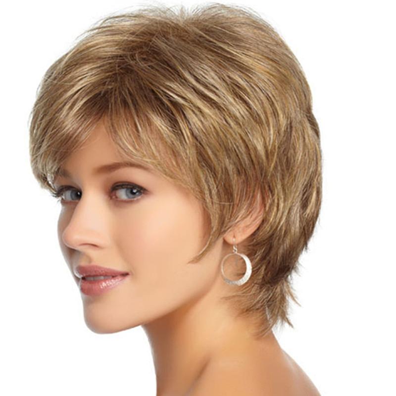 Классическая прическа на коротких волосах