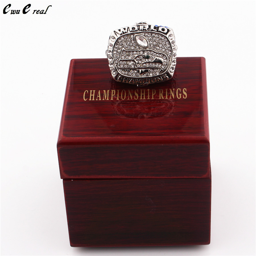8 to 14 size high quality 2013 Seattle Seahawks Champion ring replicas / and wooden box low price fast delivery(China (Mainland))