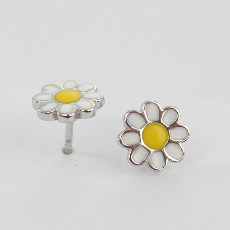 925 sterling silver fashion yellow daisy stud earring for children or aldults flower stud earrings jewelry(China (Mainland))
