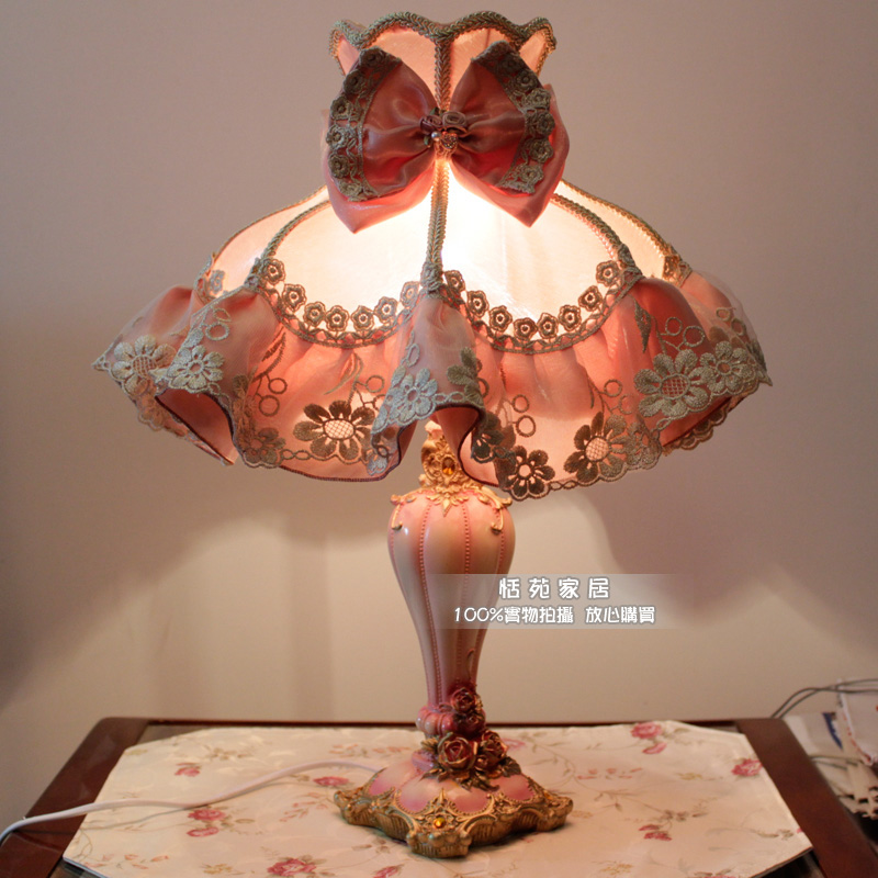 Lady ladies fashion rustic table lamp the wedding lace table lamp bedside cabinet fabric table lamp -<br>
