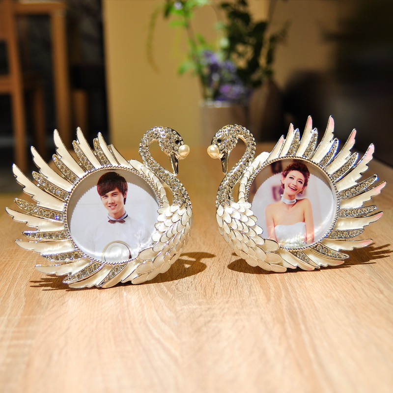Beautiful Swan Two-piece Table Frame Metal Photo Frame 3.5inch for Children(China (Mainland))