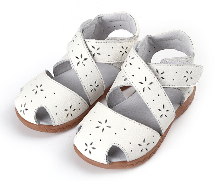 2016 new general leather sandals Small snowflakes hollow double Velcro shoes leather female children sandals<br><br>Aliexpress