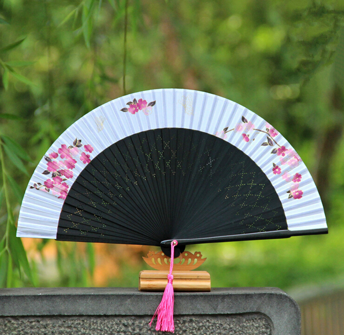 Traditional chinese antique craft folding fan bamboo silk fan for gift(China (Mainland))