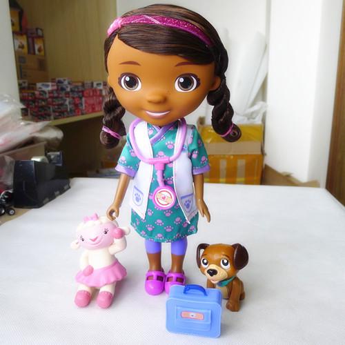 "Doc mcstuffins 11"" Talking Doll Figure & Lambie+Pet Vet+Medicine Kit New Loose(China (Mainland))"