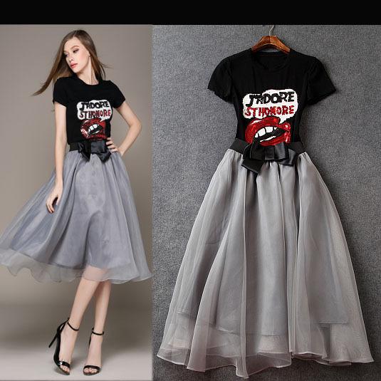 Europe brand new 2015 summer women red lips sequin beaded short sleeve t shirts gauze skirt twinset clothing sets(China (Mainland))