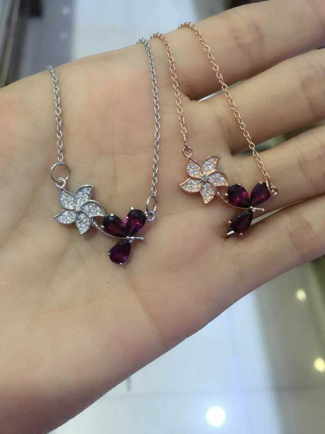 2015 new redbud shape red color natural garnet stone pendant necklace with 925 sterling silver for women fashion wedding jewelry<br><br>Aliexpress