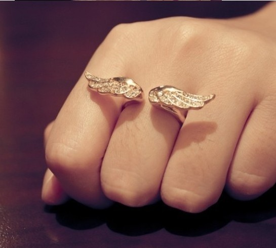 R019 NEW Classical Fashion Jewelry Alloy 18K Gold Plated Romantic Full of Crystal Angel Wings Ring Woman Luxurious Rings #77