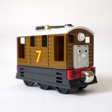 Тоби T0133 Литья Под Давлением ТОМАС и друг Паровозик взять с собой Магнитной поезде металлические детские игрушки детям подарок(China (Mainland))