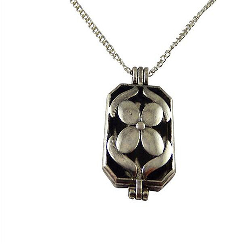 1pc Vintage Woman Locket Chain Flower Necklace Perfume Essential Oil Aromatherapy Diffuser With Pad Gift Fragrance Necklace(China (Mainland))