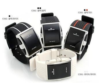 Relojes хомбре 2015 новых людей из светодиодов часы люксовый бренд цифровые часы мужчины женщины планка спорта Wristwatces 4 цветов Relogio Masculino