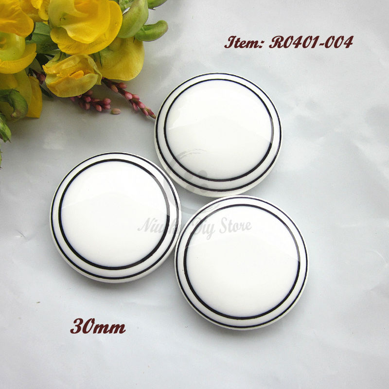 2015 new 30 pcs 45L White women fashion coat buttons Women Winter Clothing Accessories 30mm Big Buttons(China (Mainland))