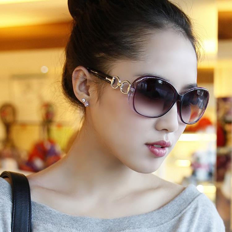 2014 Vogue Fashion sunglasses Vintage Sunglasses Women Brand Designer Women Original Free shipping 9509(China (Mainland))
